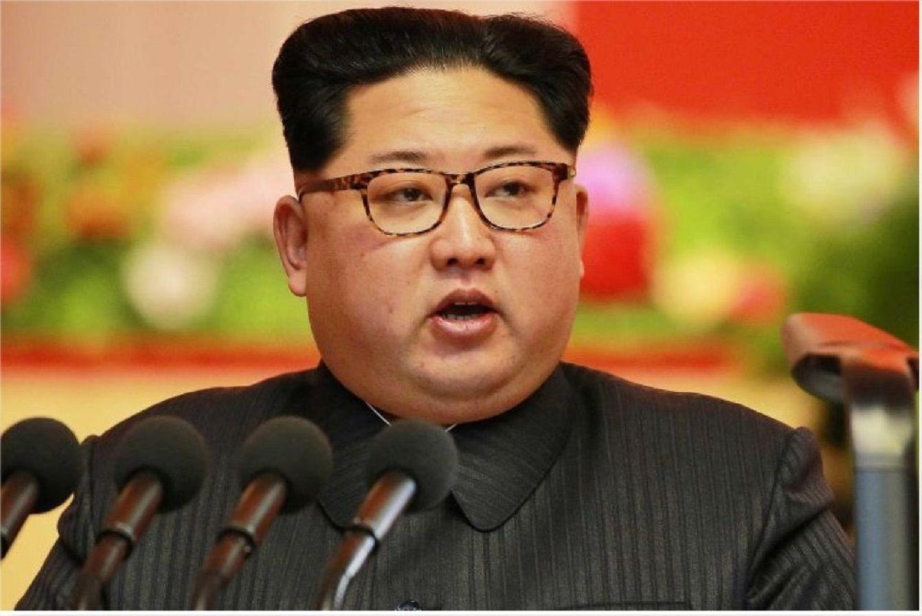 Mídia norte-coreana: Kim Jong-un esteve em lançamento de mísseis
