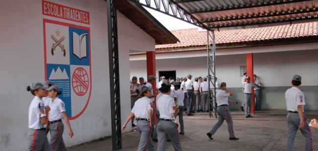 Escolas Militares Tiradentes oferecem 490 vagas para novos alunos