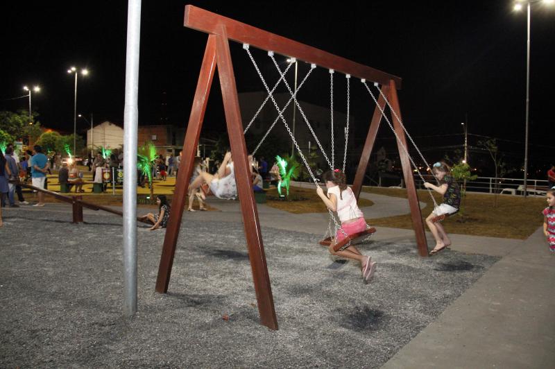 Jardim Kennedy é contemplado com nova praça pública