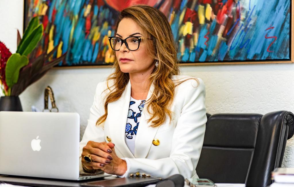 Primeira-dama lança Bazar Vem Ser Mais Solidário e estimula doações
