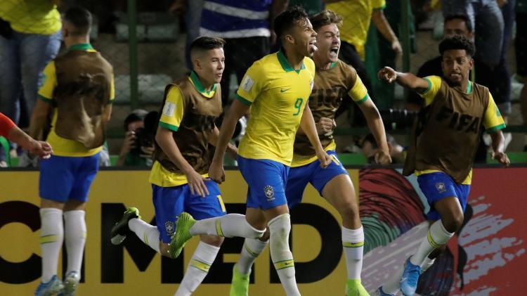 Brasil vira sobre o México no fim e conquista o 4º título no Mundial sub-17
