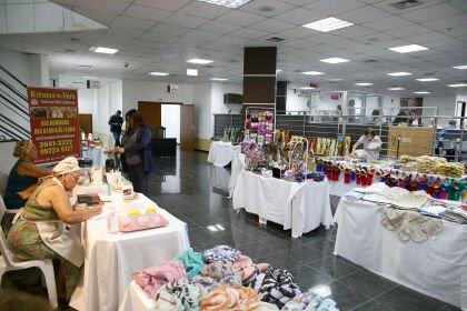 Espaço Cultural da ALMT recebe exposição de artesanato e culinária