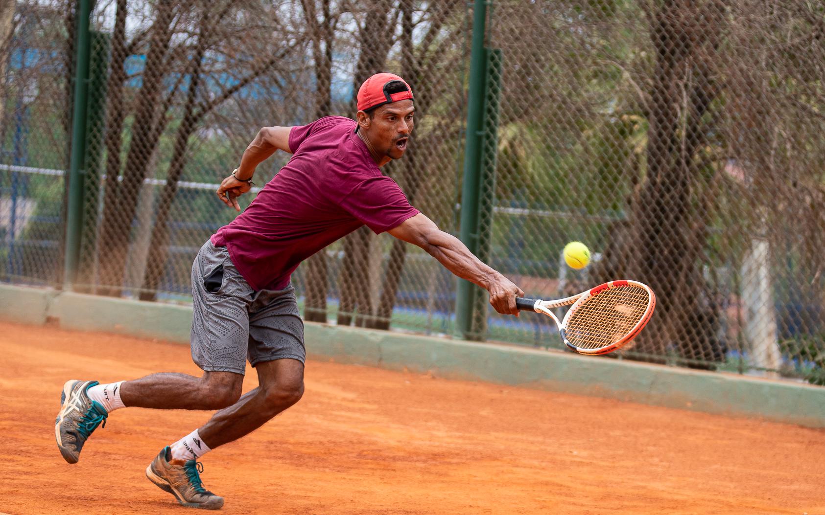 Wesley Piu e Mara Lopes vencem Open de Tênis Dona do Lar