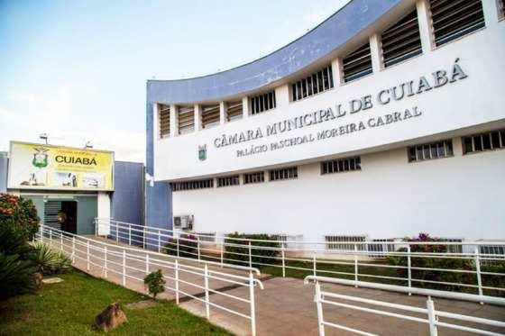 Câmara de Cuiabá tem renovação em 56%; base do prefeito derrete