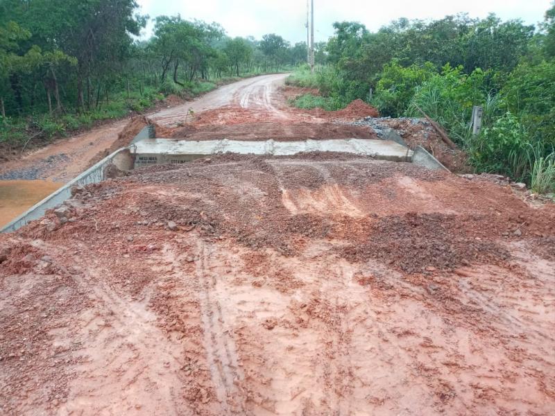 Estrada de acesso ao Distrito do Coxipó do Ouro ganha nova travessia de concreto