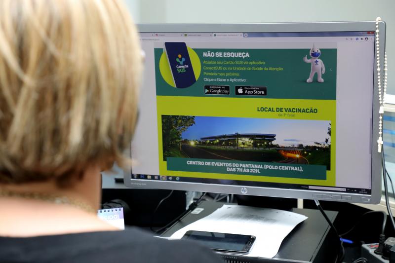 Cadastro para pessoas de 60 a 64 anos é liberado no site da vacinação