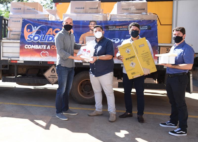 Secretaria de Saúde recebe doação de insumos hospitalares dos empresários de materiais de construção