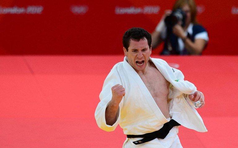Dono de duas medalhas olímpicas, o judoca Tiago Camilo é o 25º embaixador dos JEB's 2021