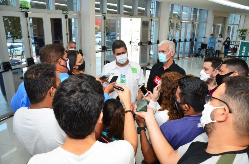 Prefeito anuncia imunização de jornalistas e para grupo sem comorbidades