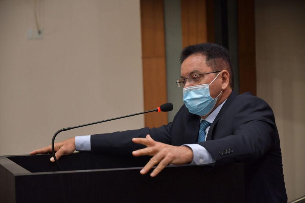 Botelho alerta e AGER intensifica fiscalização à gratuidade de passagens para idosos