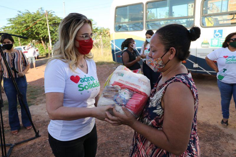 Primeira-dama busca arrecadar cinco mil kg alimentos por dia com 'Dia D'