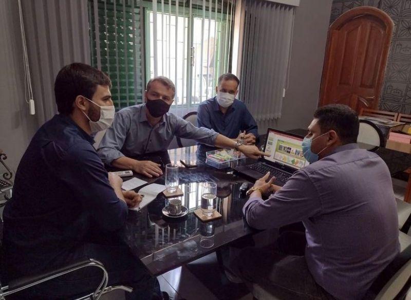 Secretários apresentam a deputado Emanuelzinho Plano de Turismo e parlamentar se compromete a apresentar emendas