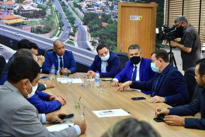 Botelho visita Câmara de Cuiabá e defende ações conjuntas