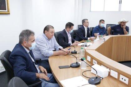 Comissão reúne representantes de órgãos para discutir embargos ambientais a assentamentos em MT