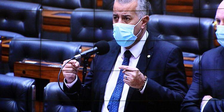 Câmara dos Deputados aprova projeto que prorroga por 15 anos benefícios fiscais
