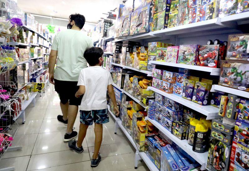 Procon orienta sobre cuidados na hora de comprar os presentes para o Dia das Crianças